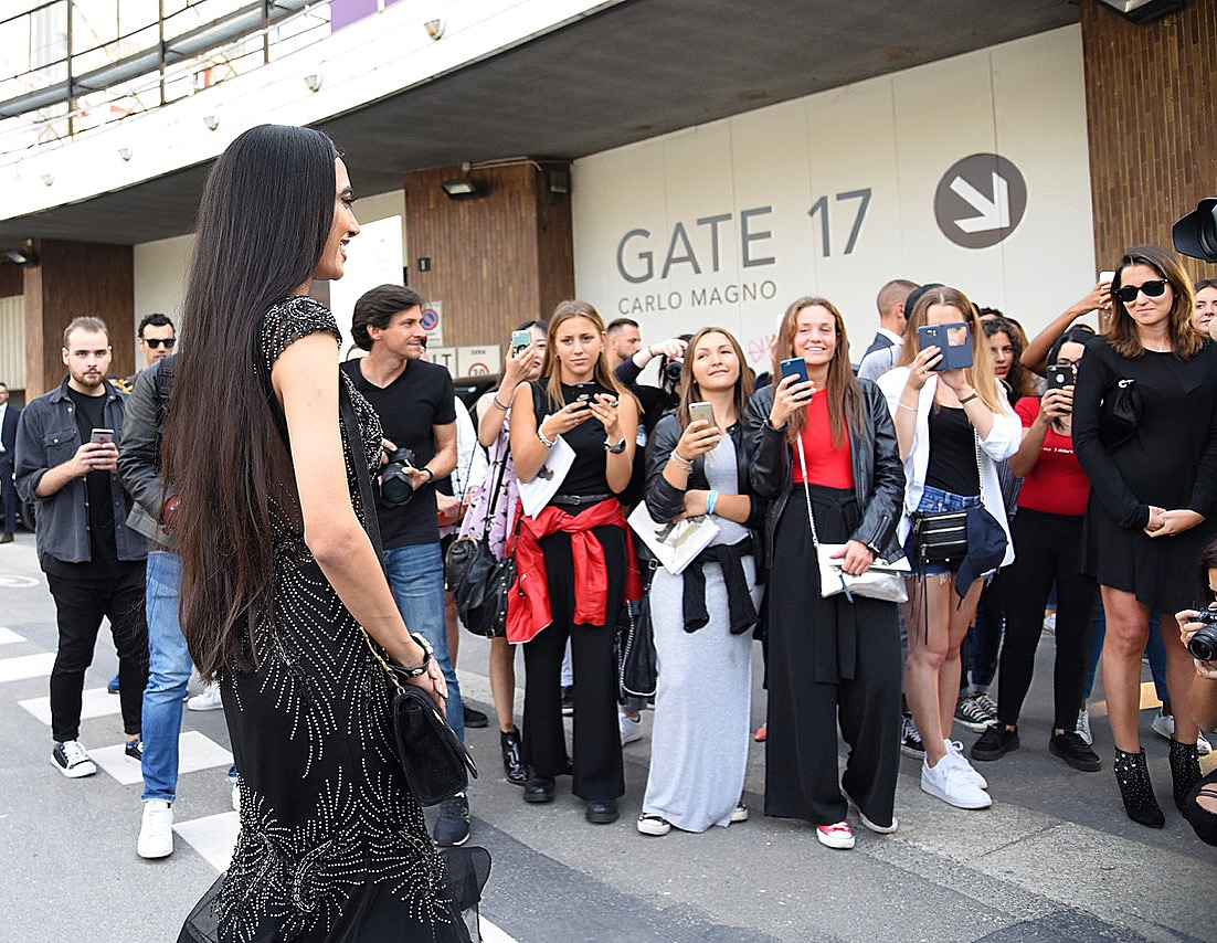 AMO I TIFOSI DI ITALIA! I LOVE THE ITALIAN FANS, especially the gorgeous Italian girls! Beautiful inside and out, thank you for all of your amazing support! You made me even more confident for the show! 🌹
