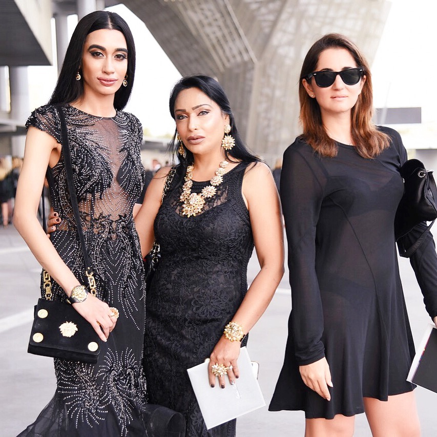 My clique: VIP. Your clique: Needs ID. 😎😎😎 #SQUADGOALS after the Versacel S/S 2017 Milan Fashion Week show with my gorgeous Mama and my BFF/Italian sis Gaia Ceccaroli! LE MIE REGINE SONO COSÌ BELLI! (Photo credit: Gabriela Di Muro) 👑