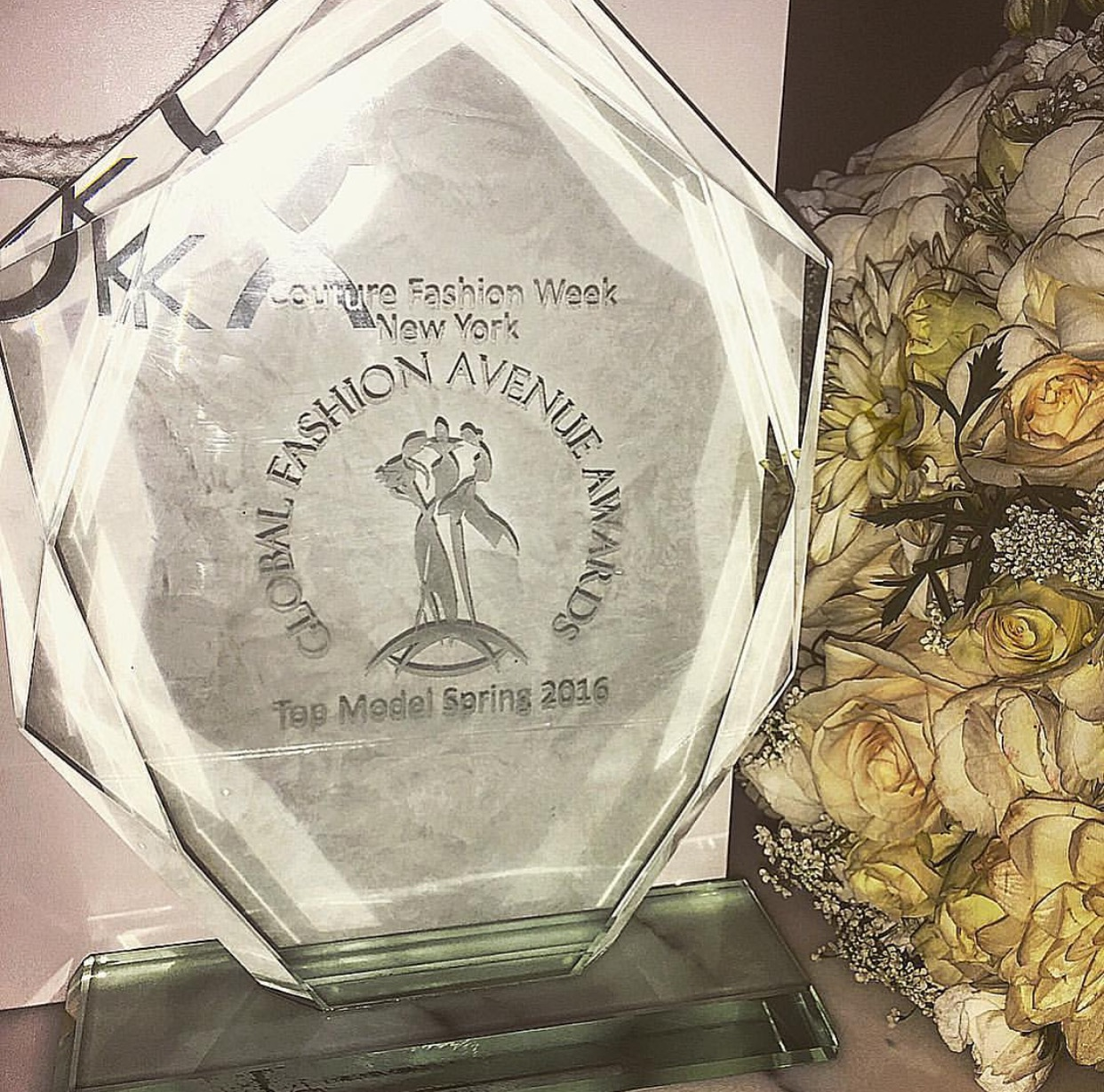 My award and gorgeous bouquet!!!!!