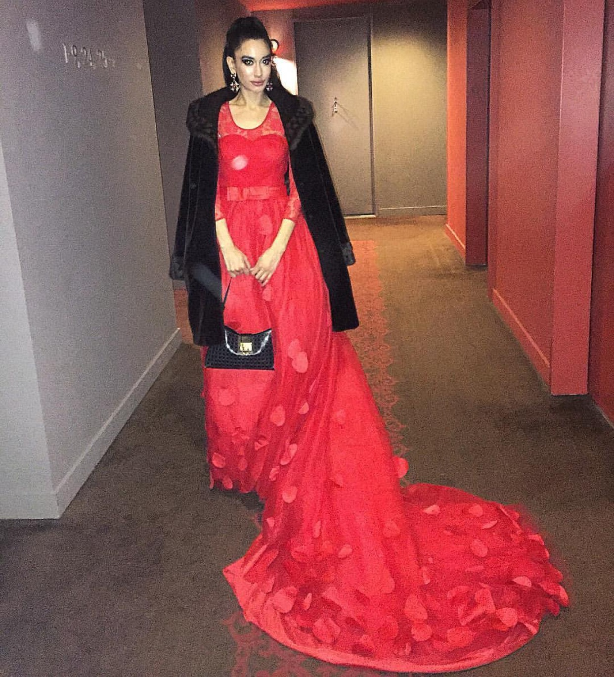 Style Breakdown for MY LUNAR NEW YEAR LOOK for the Chinese New Year celebration at the World Panda Foundation Gala in association with the Chinese Consulate and The People's Republic of China at the legendary RAINBOW ROOM AT NBC STUDIOS! 💃🏻 STYLE NOTES: COUTURE GOWN BY CHINESE DESIGNER 王艳 WANG YAN; BAG BY SALVATORE FERRAGAMO; EARRINGS BY DOLCE & GABBANA; MY GLAM MAKEUP LOOK BOUGHT TO YOU EXCLUSIVELY BY GIORGIO ARMANI BEAUTY!